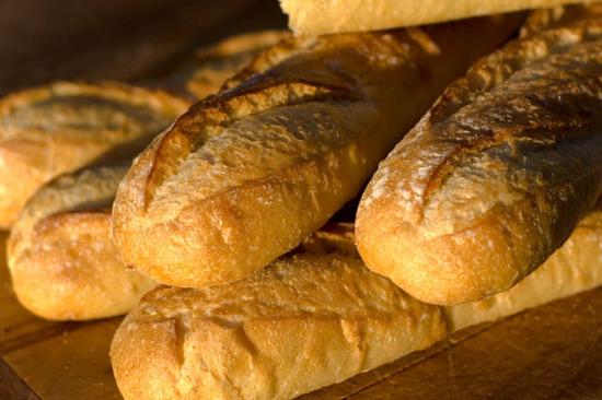 Mùi bánh mìn nóng khiến người ta dễ đồng cảm và vị tha với người khác.