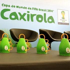 Công cụ tạo âm thanh Caxirola thay kèn vuvuzela