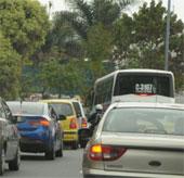 Khai thác điện năng từ xe cộ trên đường