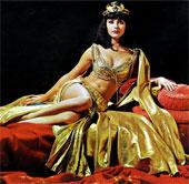 """Cleopatra – Người phụ nữ đầu tiên """"chế tác"""" đồ chơi tình dục?"""