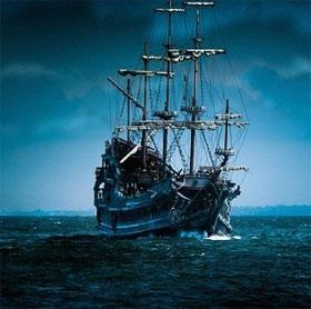 """Sự bí ẩn của con tàu gỗ gụ """"ma quái"""" trên biển"""