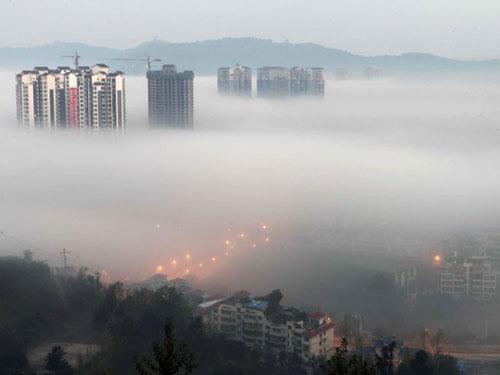 Sương mù, khói bụi bao trùm Trung Quốc