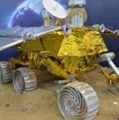 Tàu vũ trụ của Trung Quốc hạ cánh xuống Mặt Trăng