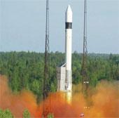 Nga phóng thành công ba vệ tinh quân sự vào quỹ đạo