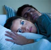Phụ nữ cần ngủ nhiều hơn nam giới