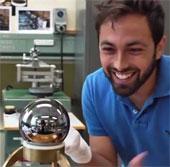 Video: Vật thể tròn nhất thế giới
