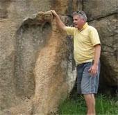 Tìm thấy dấu chân người khổng lồ cổ đại ở châu Phi