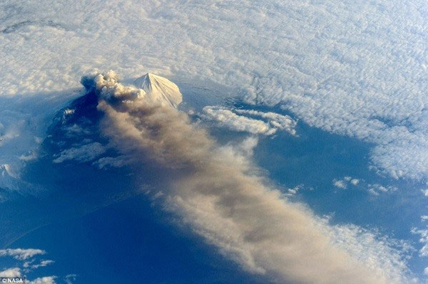 Nasa công bố ảnh chụp trái đất từ không gian đẹp nhất 2013