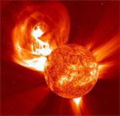 Từ trường Mặt trời đã đảo cực hoàn toàn