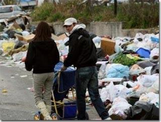 Ý: Khủng hoảng rác ở Napoli