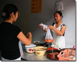 Trung Quốc ra tay xử túi nilon
