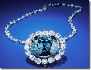 Tia UV giúp nhận diện kim cương xanh