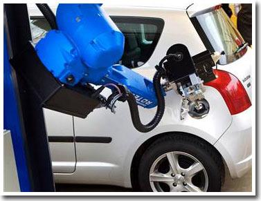 Hà Lan giới thiệu robot bơm xăng