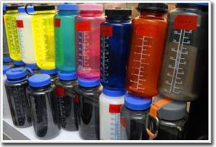 Nước nóng phóng thích các hợp chất có hại trong chai nhựa