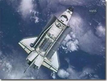 NASA hoãn chuyến ra ngoài khoảng không vũ trụ một ngày