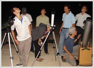 Kính thiên văn tự chế lớn nhất Việt Nam