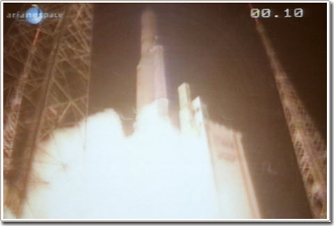Việt Nam phóng thành công vệ tinh đầu tiên
