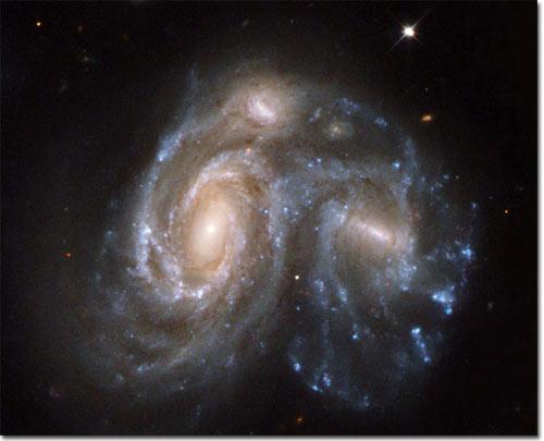 Ảnh đẹp của Hubble về các vụ va chạm thiên hà