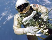 Đằng sau thành tựu và thất bại của NASA