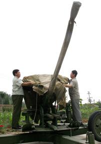 Trung Quốc bắn pháo để chống mưa cho Olympic
