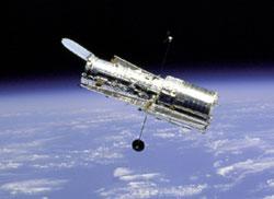 100.000 lần bay quanh quỹ đạo Trái đất