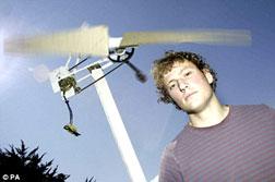 Tua-bin gió phát điện từ phế liệu