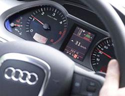 """Ô tô thông minh """"nhắc"""" lái xe tiết kiệm nhiên liệu"""
