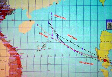 Cơn bão có tốc độ phi thường đang hướng vào biển Đông