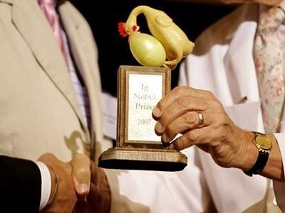 Ig Nobel 2008: Coke có thể... diệt tinh trùng!