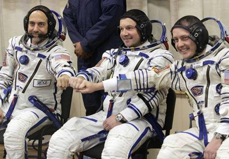 Tàu vũ trụ Nga đưa khách hàng tỷ phú lên không gian