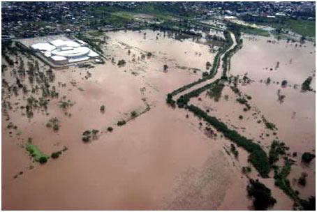 Nhiều nước chìm trong mưa lũ