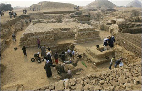 Ai Cập tìm thấy kim tự tháp dành cho nữ hoàng