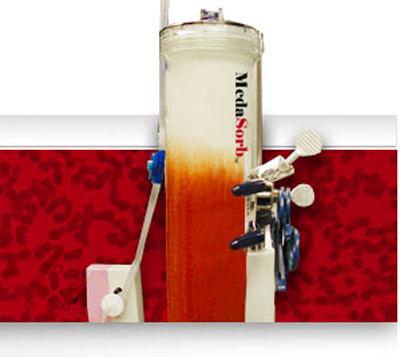 Trị HIV bằng... máy lọc máu