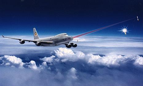 Mỹ lần đầu bắn thử vũ khí laser từ máy bay
