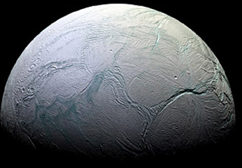 Phát hiện đại dương trên hai vệ tinh sao Thổ