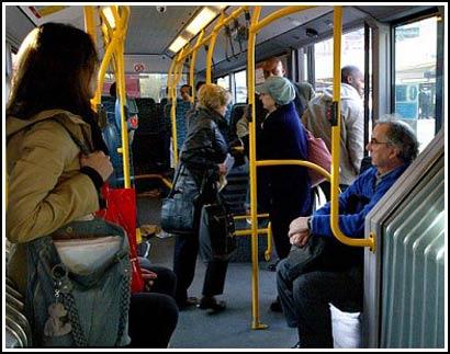 Cách chọn chỗ trên xe bus tiết lộ tính cách