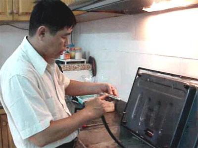 Một người dân TP.HCM tự chế tạo thiết bị tiết kiệm gas