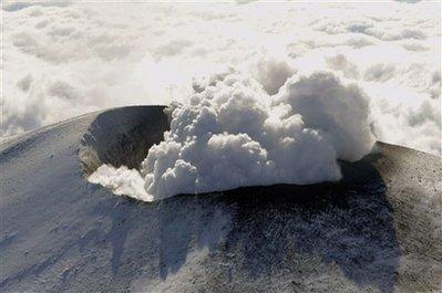 Núi lửa phun trào gần Tokyo