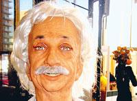 Robot Einstein biết đồng cảm