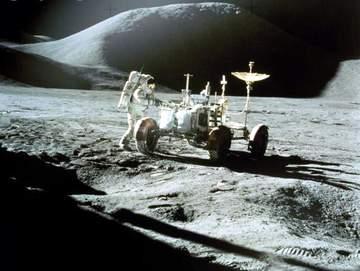 Khám phá bề mặt Mặt trăng