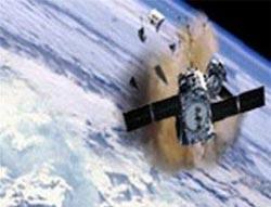 Các mảnh vỡ vệ tinh bắt đầu rơi xuống trái đất