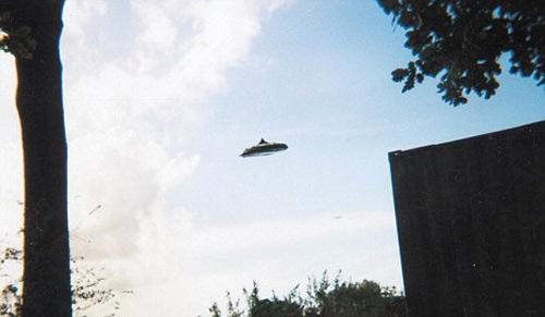Bộ quốc phòng Anh đau đầu vì UFO