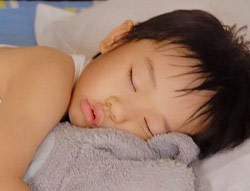 Trẻ em ngủ ngáy có nguy cơ bị trầm cảm