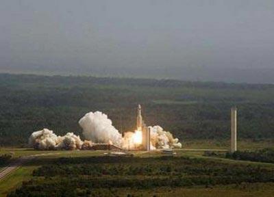 Châu Âu phóng hai kính viễn vọng lên quỹ đạo