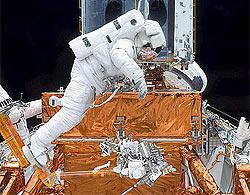 Kính viễn vọng không gian Hubble được tái sinh