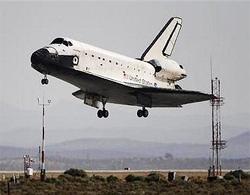Tàu Atlantis trở về trái đất an toàn