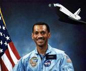 Người da màu đầu tiên làm lãnh đạo NASA