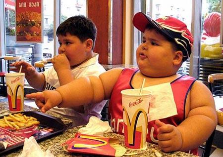 Đồ ăn nhanh làm giảm khả năng tư duy
