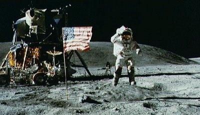 NASA đưa người lên Mặt trăng ở Hollywood?