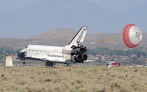 Máy bay 'cõng' tàu vũ trụ